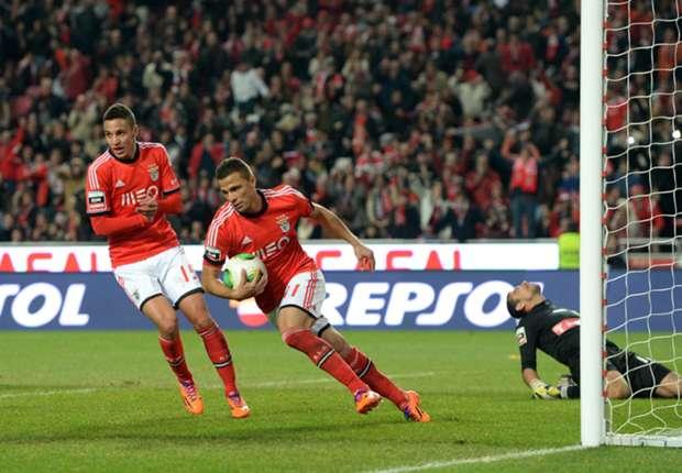 Benfica 2-0 Olhanense: Lima lands Eagles Primeira Liga title