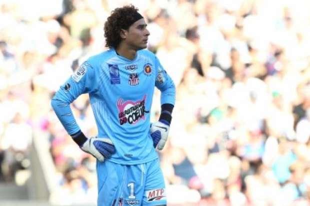 Ajaccio goalkeeper Ochoa open to Premier League move