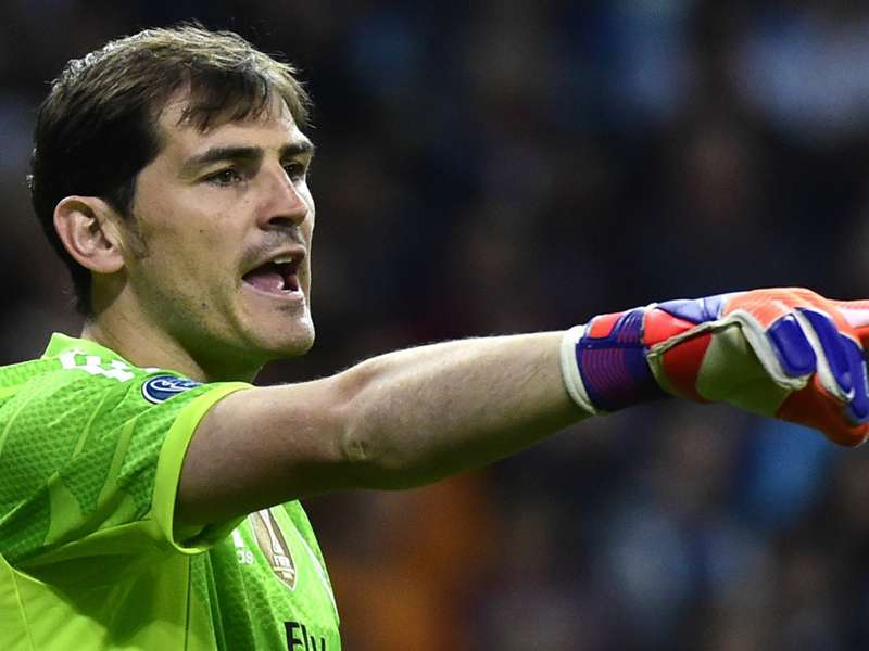 Iker Casillas should finish career at Madrid - father