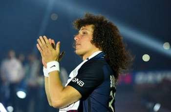 David Luiz in London to clinch £38M Chelsea return