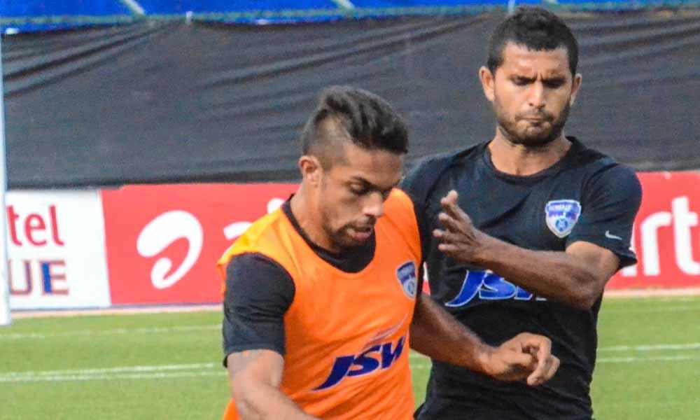 Robin Singh Darren Caldeira Bengaluru FC