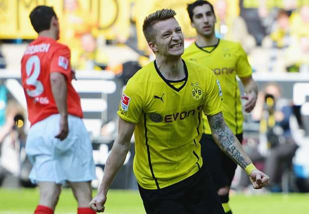 Reus bejubelt sein Tor gegen Mainz