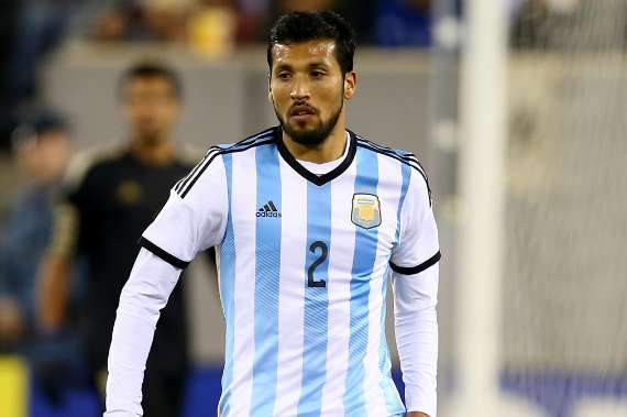 http://images.performgroup.com/di/library/goal_uk/f8/32/ezequiel-garay-seleccion-argentina_gv53wg5096ty1d8n0he50p8q8.jpg?t=-1351634004&w=620&h=430