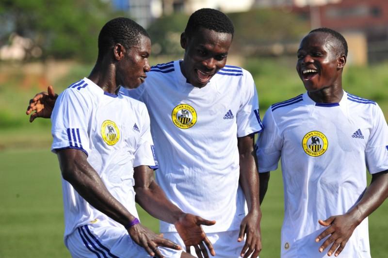 Jeremiah Arkorful and team-mates at Tema Youth