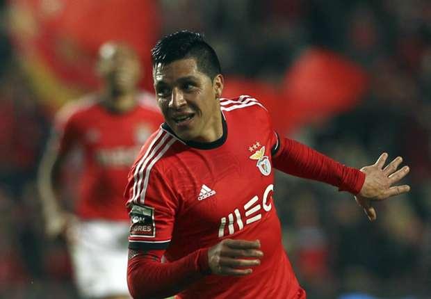 Pérez en un partido con el Benfica