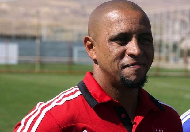 Roberto Carlos califica a Neymar como un 'genio'