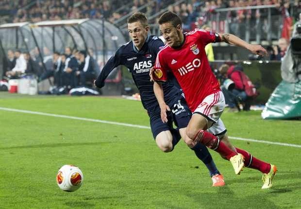 Jeffrey Gouweleeuw vs Rodrigo, AZ - Benfica, UEFA Europa Leauge 03042014