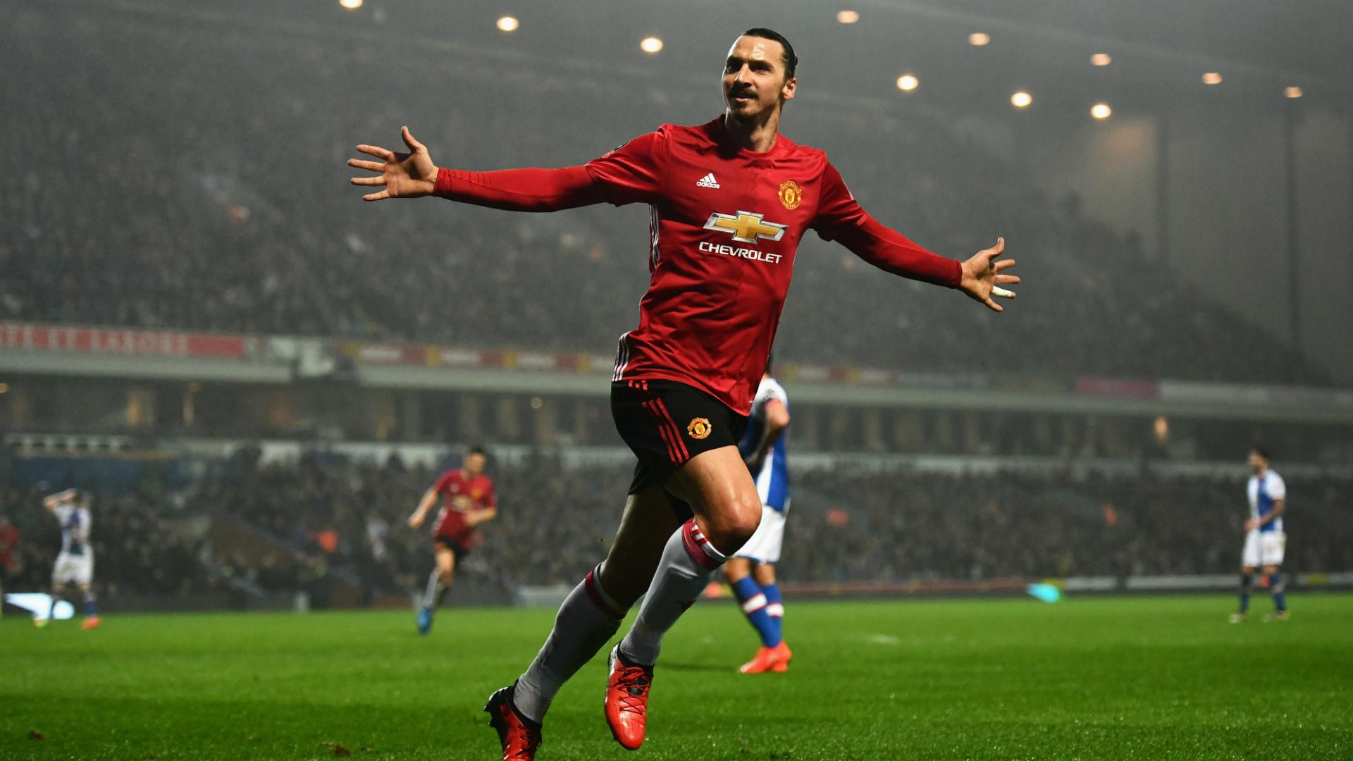Manchester United avanza a