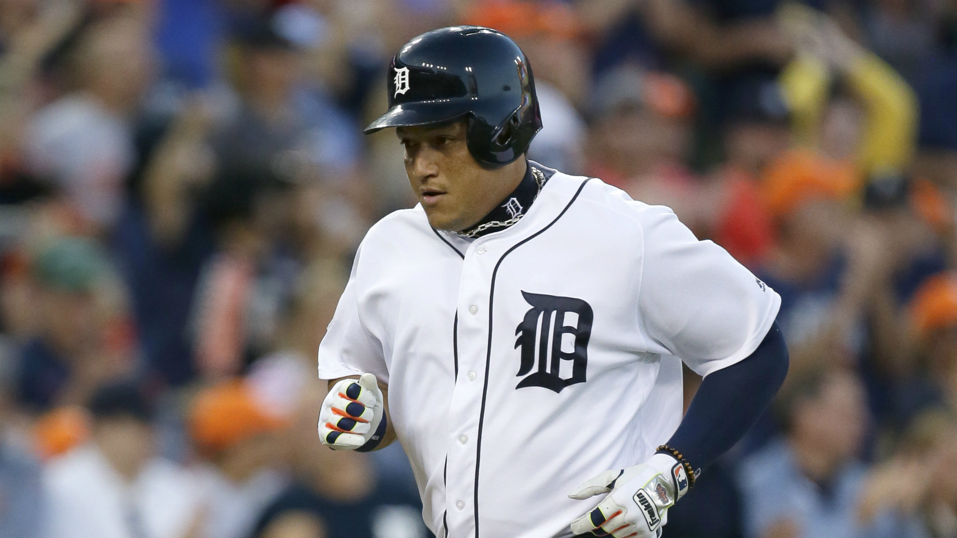 Miguel Cabrera injury update: Detroit star done for season with ruptured biceps tendon