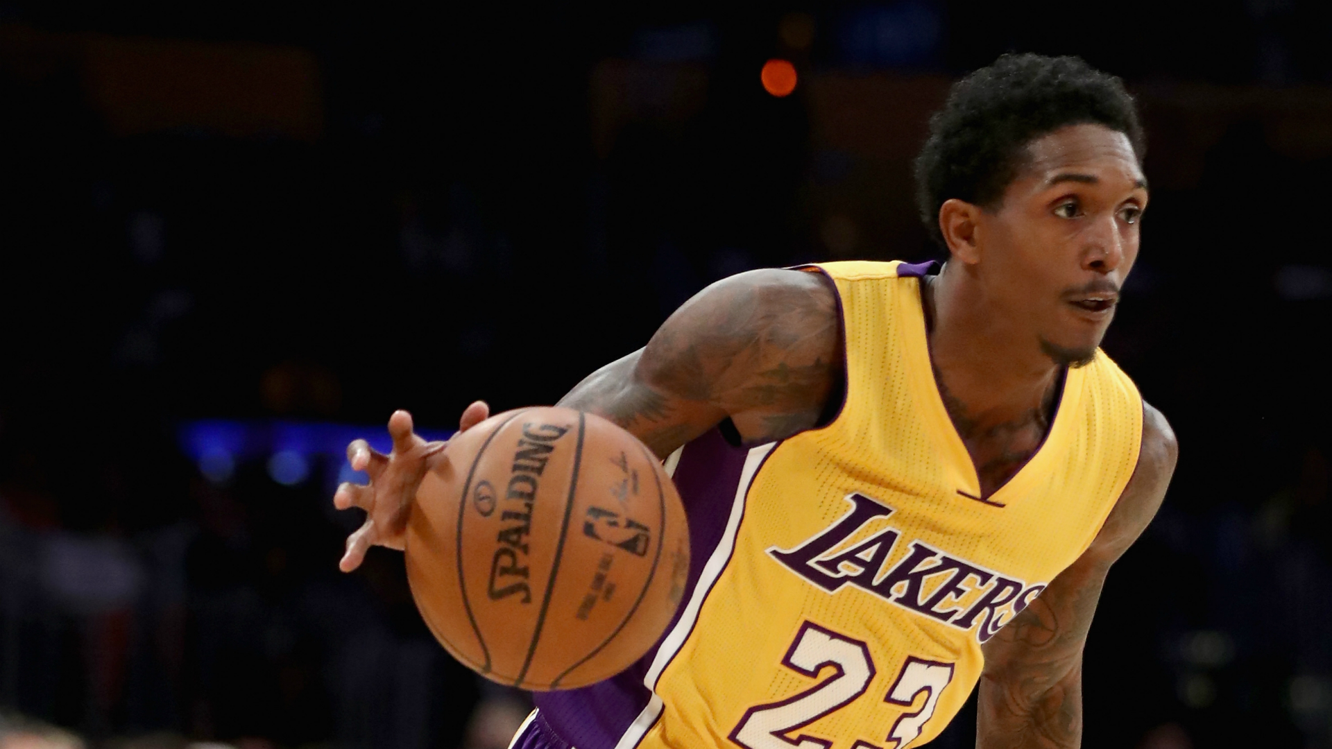 Lou-williams-los-angeles-lakers-v-dallas-mavericks-08112016_1p5bs1qo11y7z18paci5gg9cec