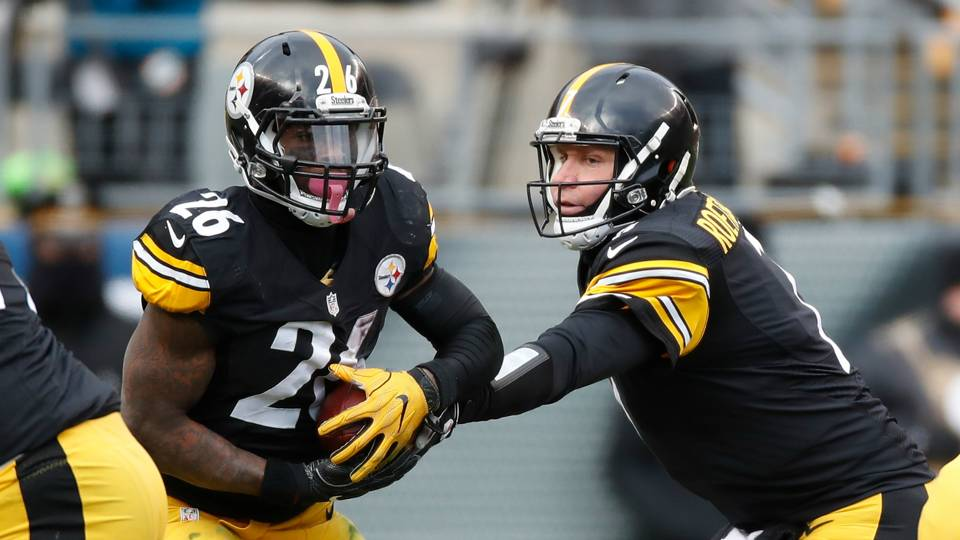 Ben Roethlisberger Le'Veon Bell Pittsburgh Steelers v Miami Dolphins NFL Wild Card Round 08012016