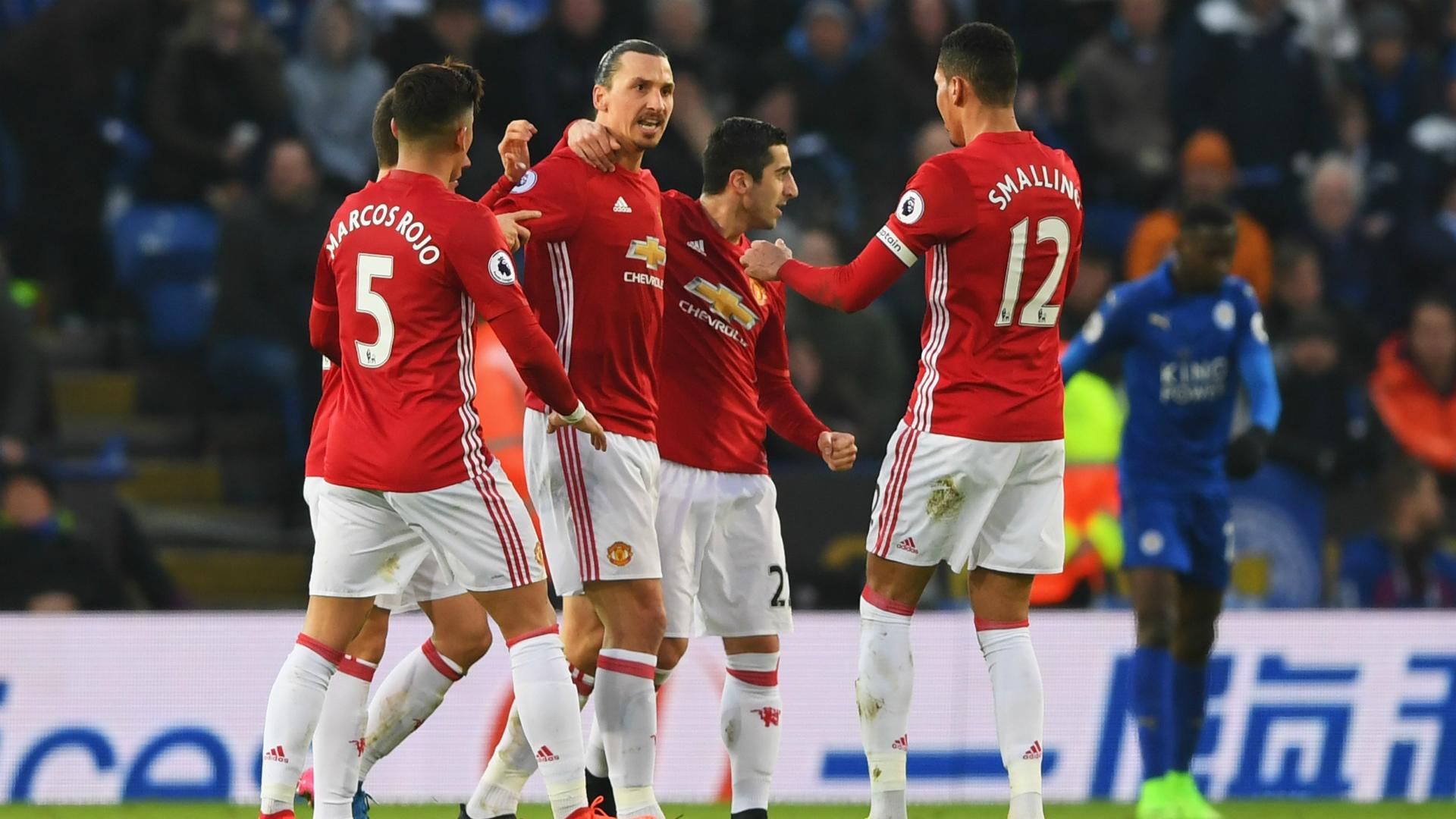 Manchester United derrotó por 3-0 al Leicester City