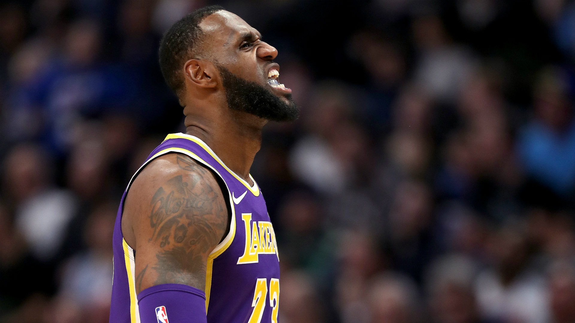 Walt Frazier rips Lakers star LeBron James: 'He doesn't ... Lebron James Yelling Vs Lakers