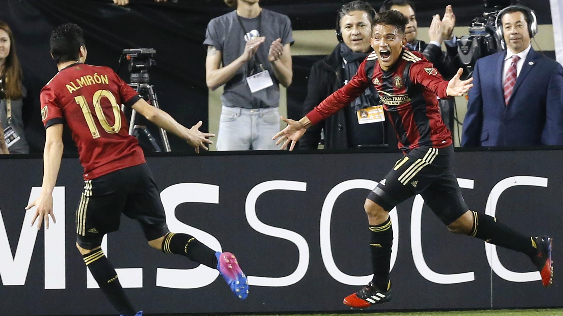 El paraguayo Almirón gana segundo premio consecutivo de Jugador de la Semana