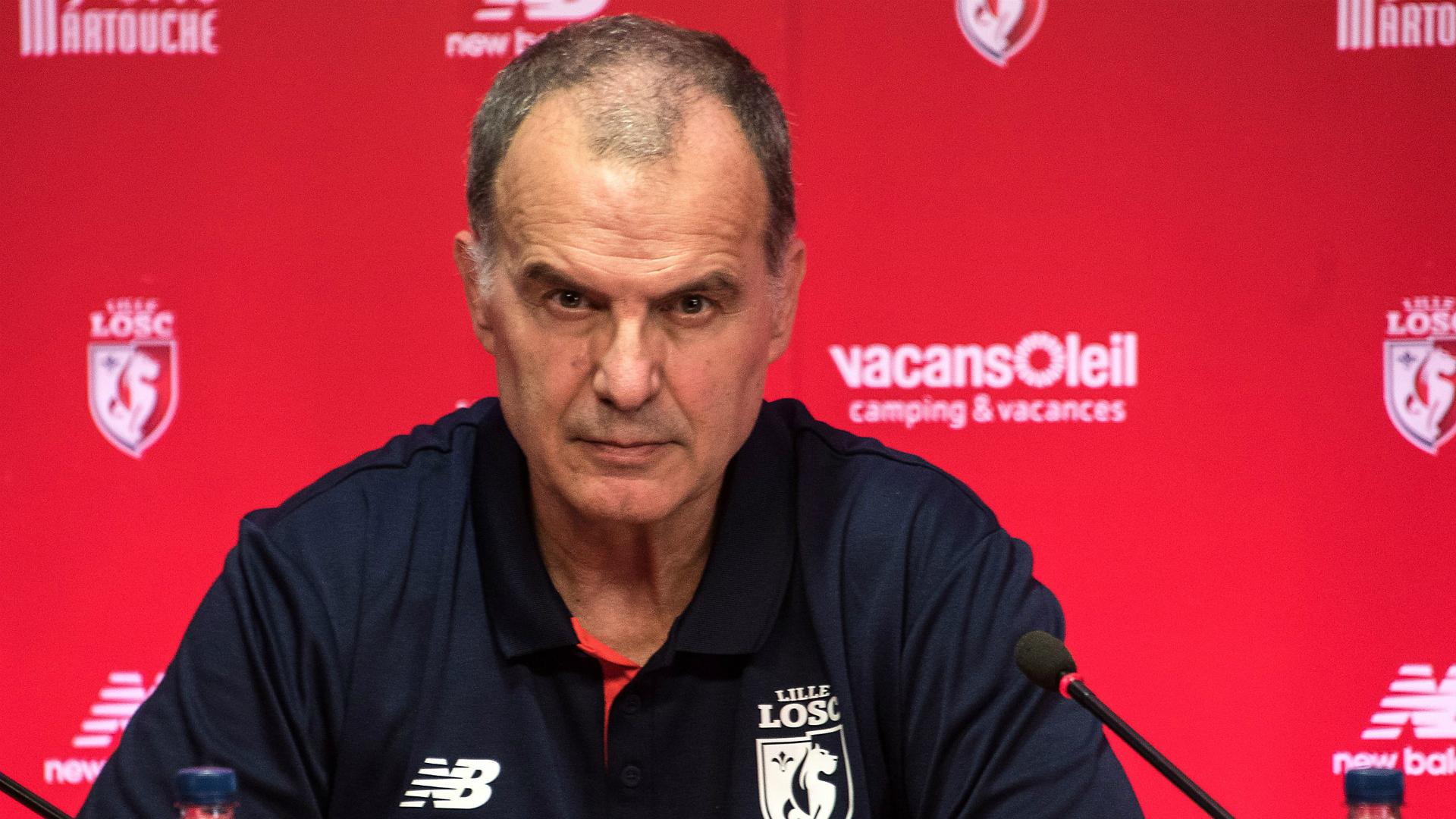 Marcelo Bielsa generó tremendo problema en su nuevo club