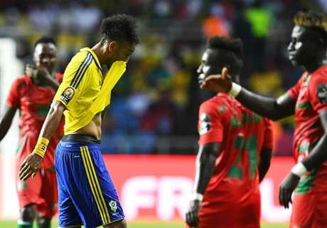 Aubameyang, frustrado en el inicio de la Copa Africana
