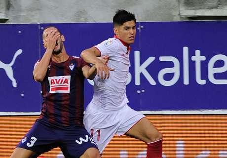 Sevilla goleó con hat-trick de Correa