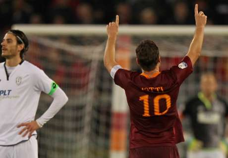 Totti lleva a Roma a semifinales