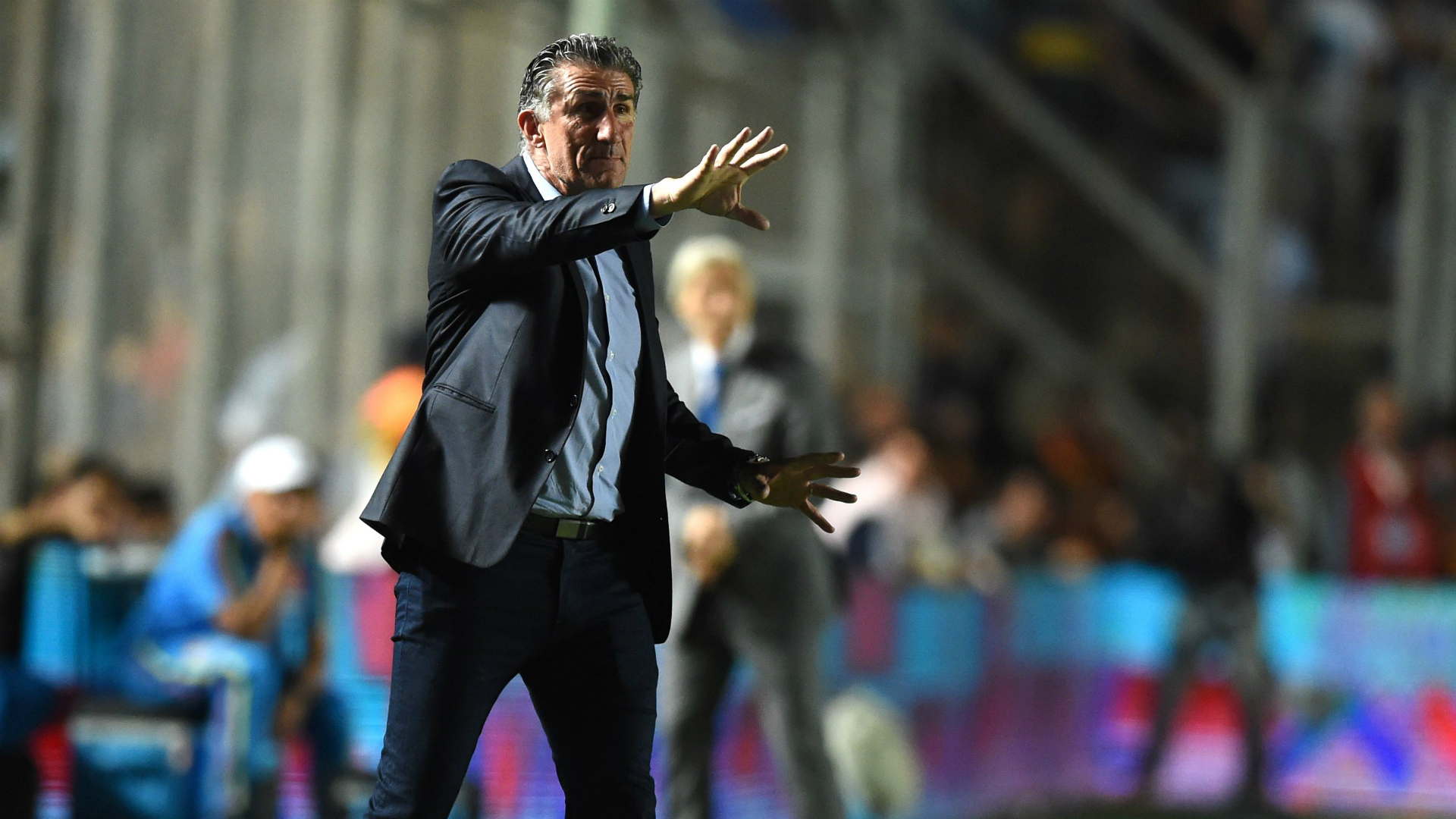 Sampaoli usará sólo dos defensas en el Singapur-Argentina