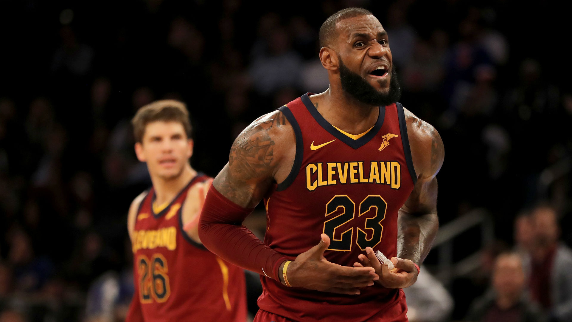 Cleveland's LeBron James plays only 27 minutes in blowout win over Detroit