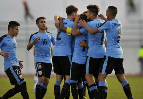 Uruguay ganó y clasificó a Argentina