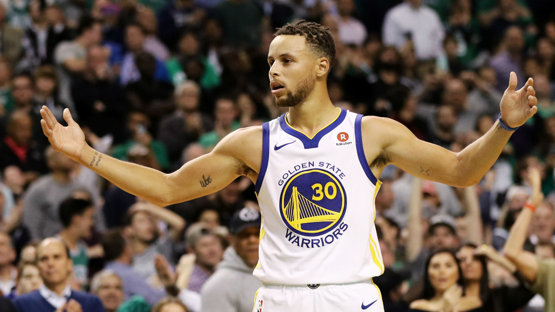 Stephen Curry defends decision to throw ball at Bulls ...