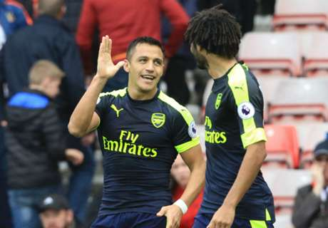 Alexis y Giroud ponen a Arsenal arriba