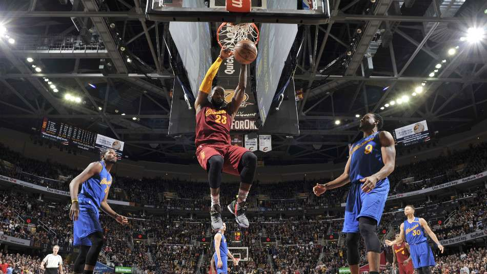 NBA、ウォリアーズ対キャブズ戦での誤審を認める
