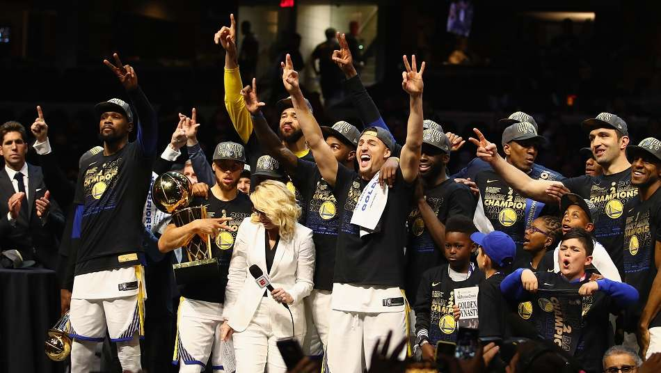 NBAファイナル2018、ウォリアーズが4連勝でキャブズを下し2連覇達成