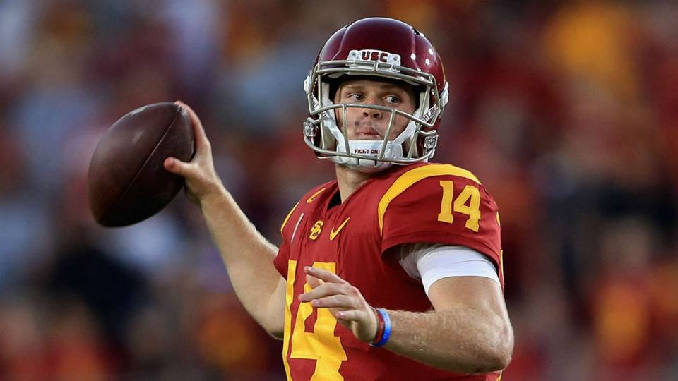 usc s sam darnold unlikely to enter nfl draft after season report
