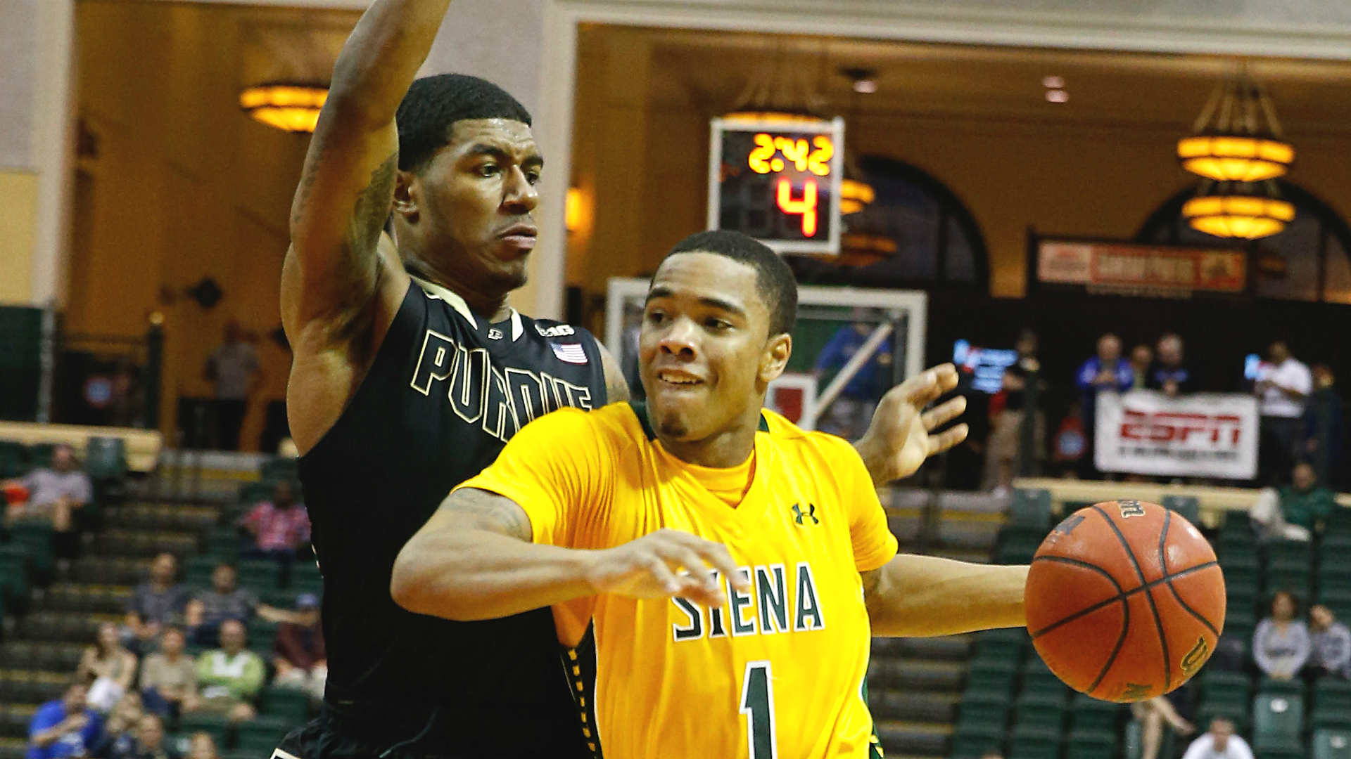 Siena's Marquis Wright