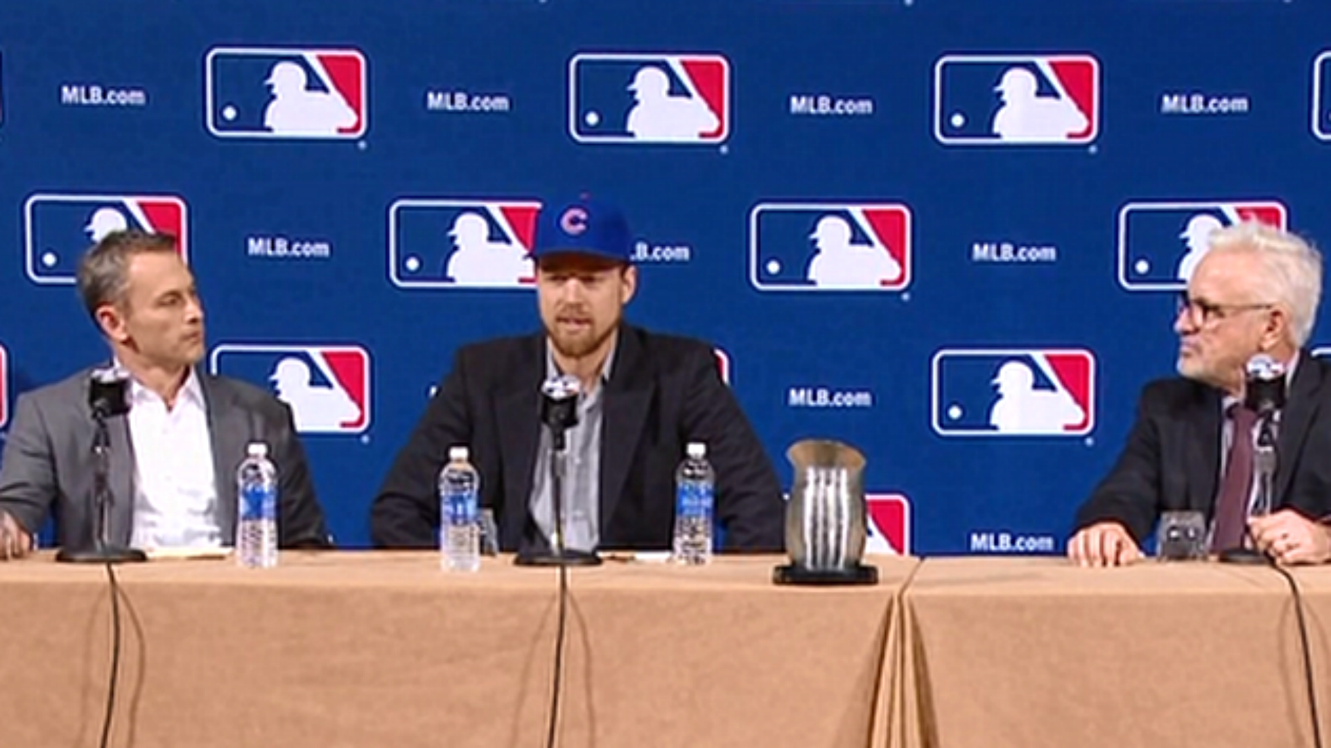 Ben Zobrist introduced as a member of the Cubs