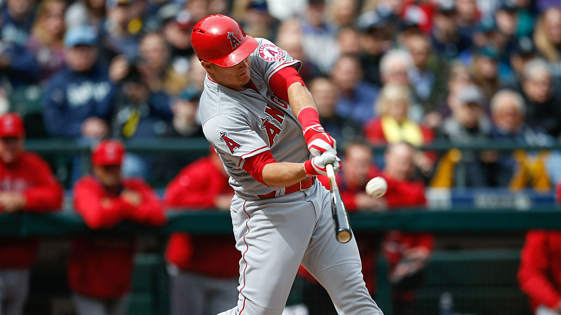 Mike Trout becomes youngest player with 100 homers and 100 steals