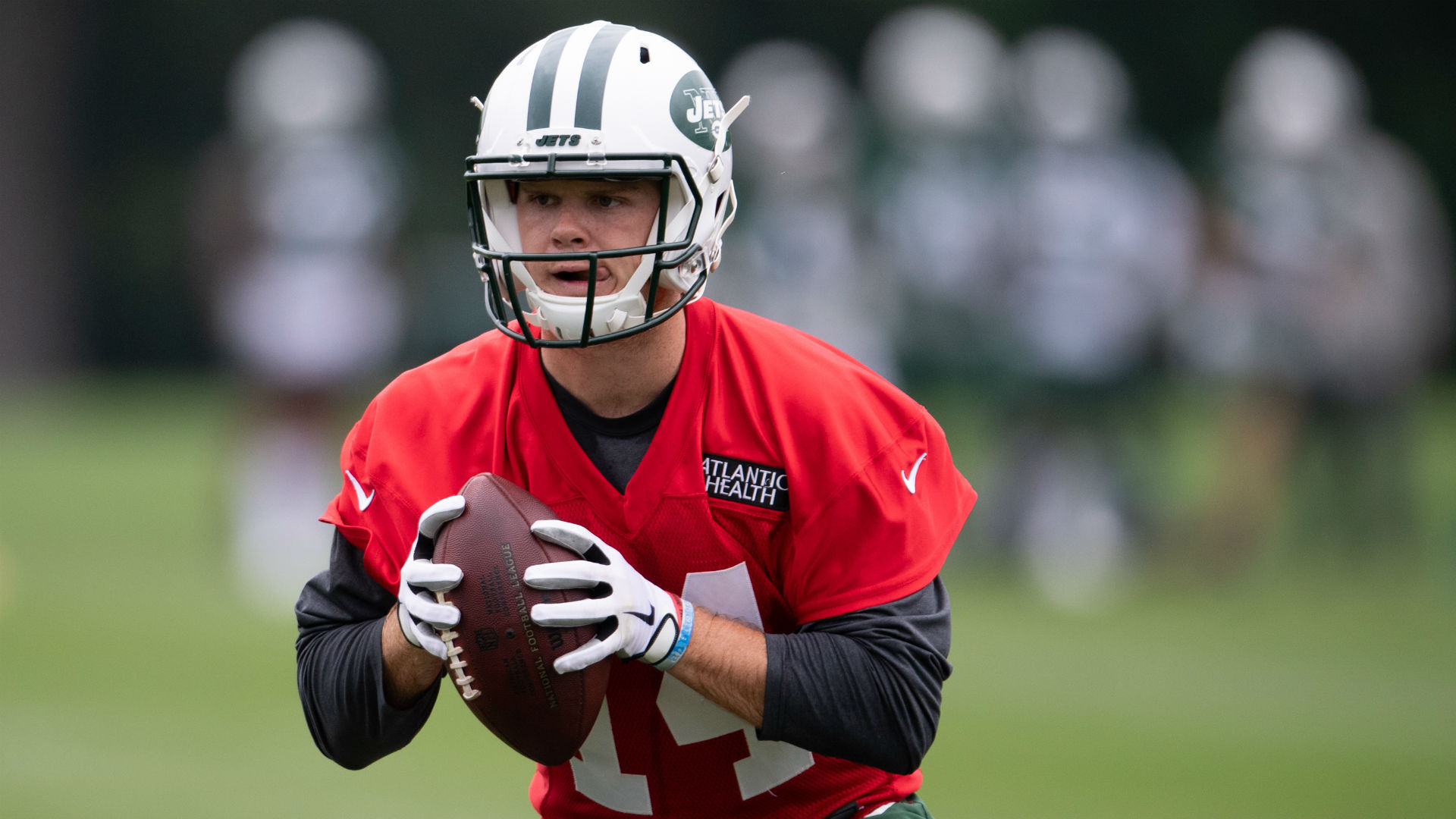 Sam Darnold expected to reach contract agreement, report to Jets