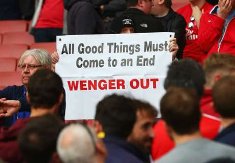 'Wenger Out' beamed on to Emirates