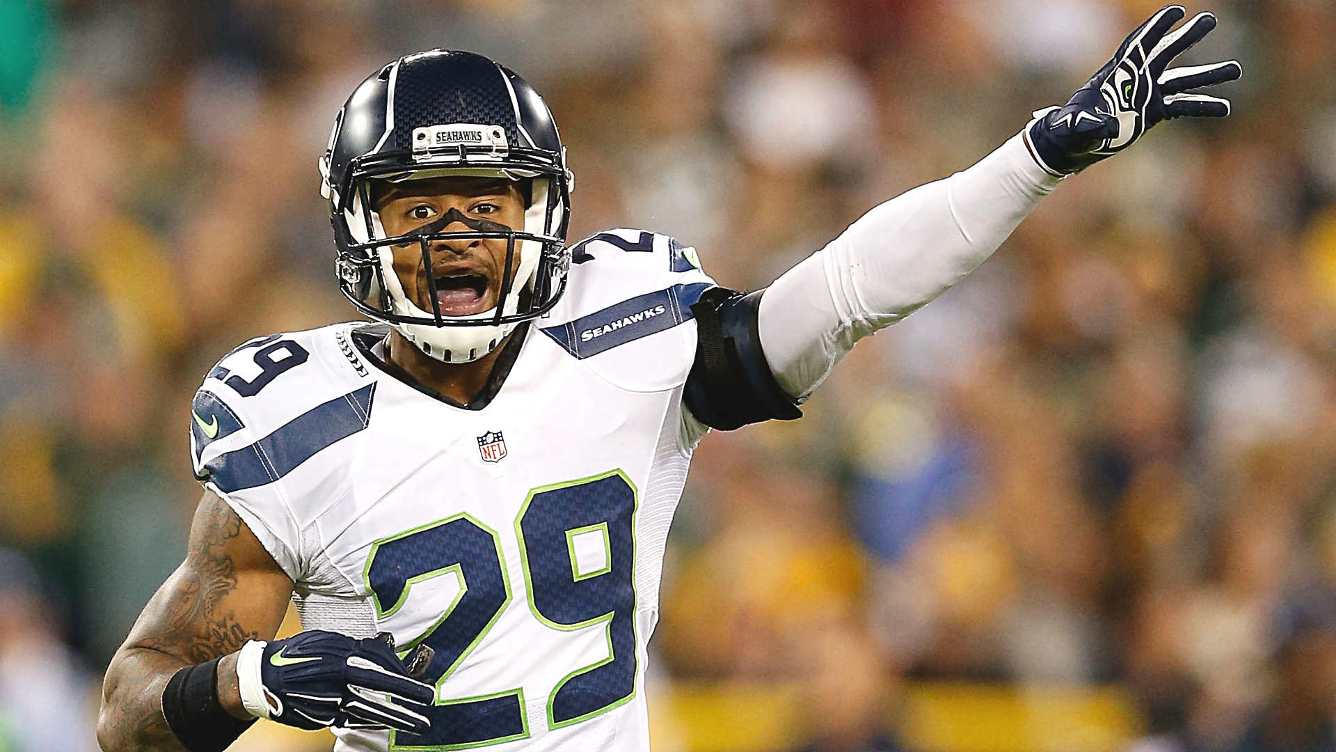 Earl Thomas way ahead of schedule in recovery from gruesome leg