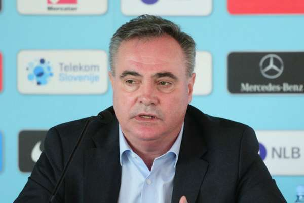 Slovenia sack Kavcic as head coach