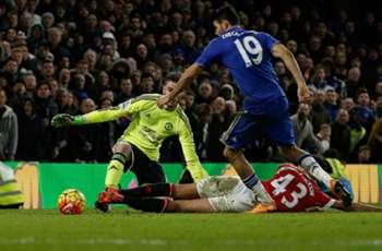 Van Gaal fumes at United composure after 'unbelievable' Chelsea draw