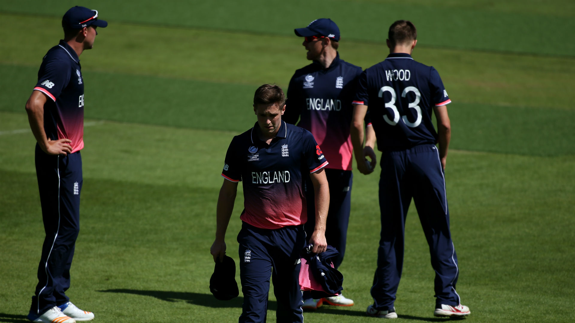 England bring in Finn as Woakes' replacement