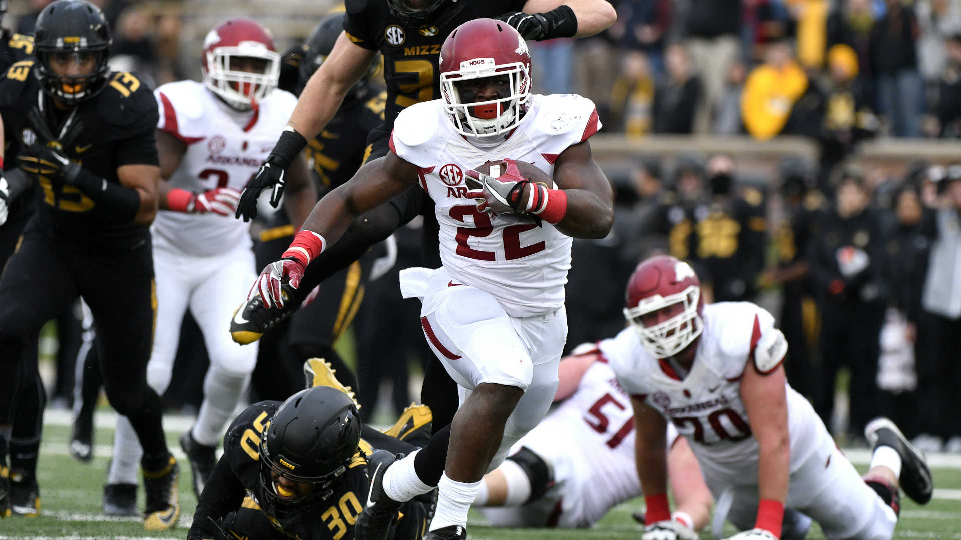 Arkansas' Rawleigh Williams ends football career after second neck injury