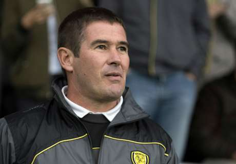 Clough turns down Forest for Burton