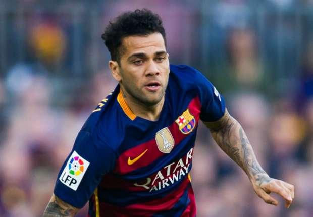 Dani Alves still hopes to play in Premier League