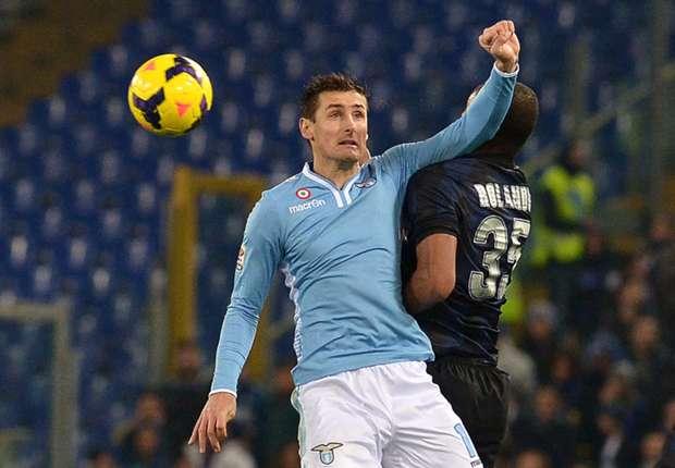Gol Miroslav Klose Benamkan FC Internazionale Di Olimpico