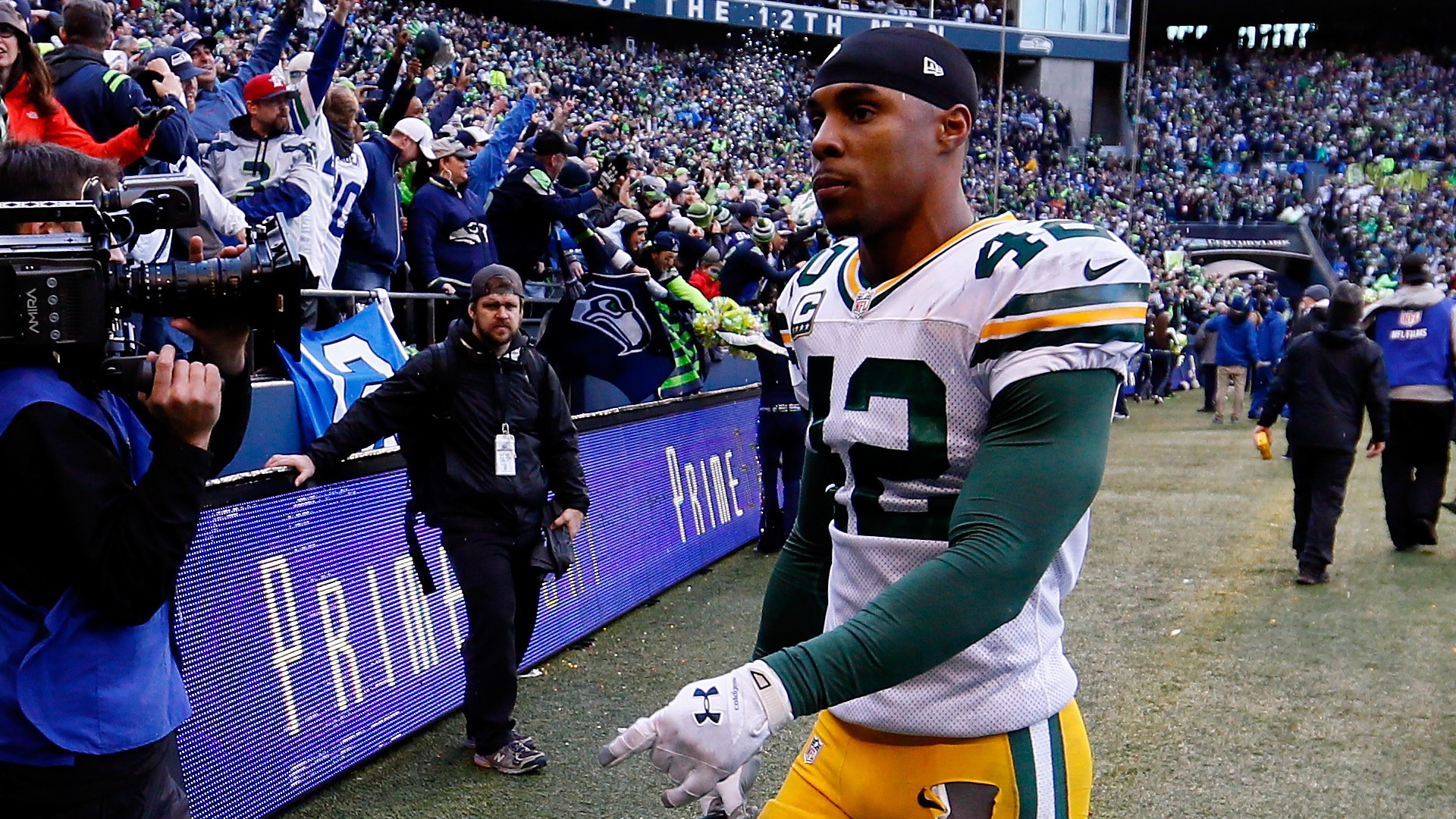 shows how much room Packers Morgan Burnett had to run after