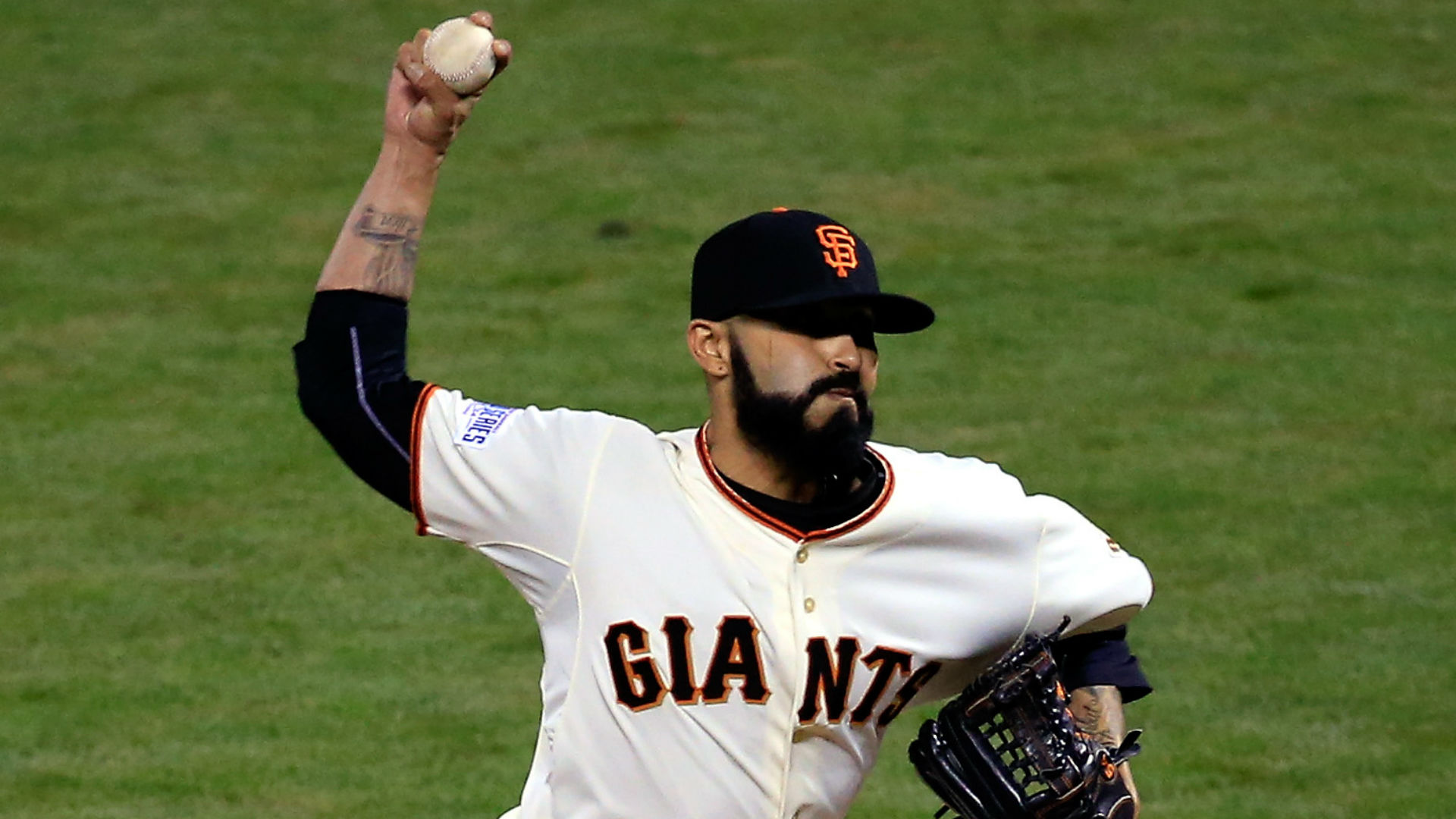 sergio-romo-121714-getty-ftr-us.jpg
