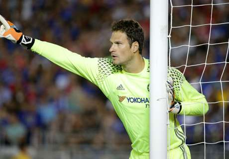Begovic could leave Chelsea - Conte
