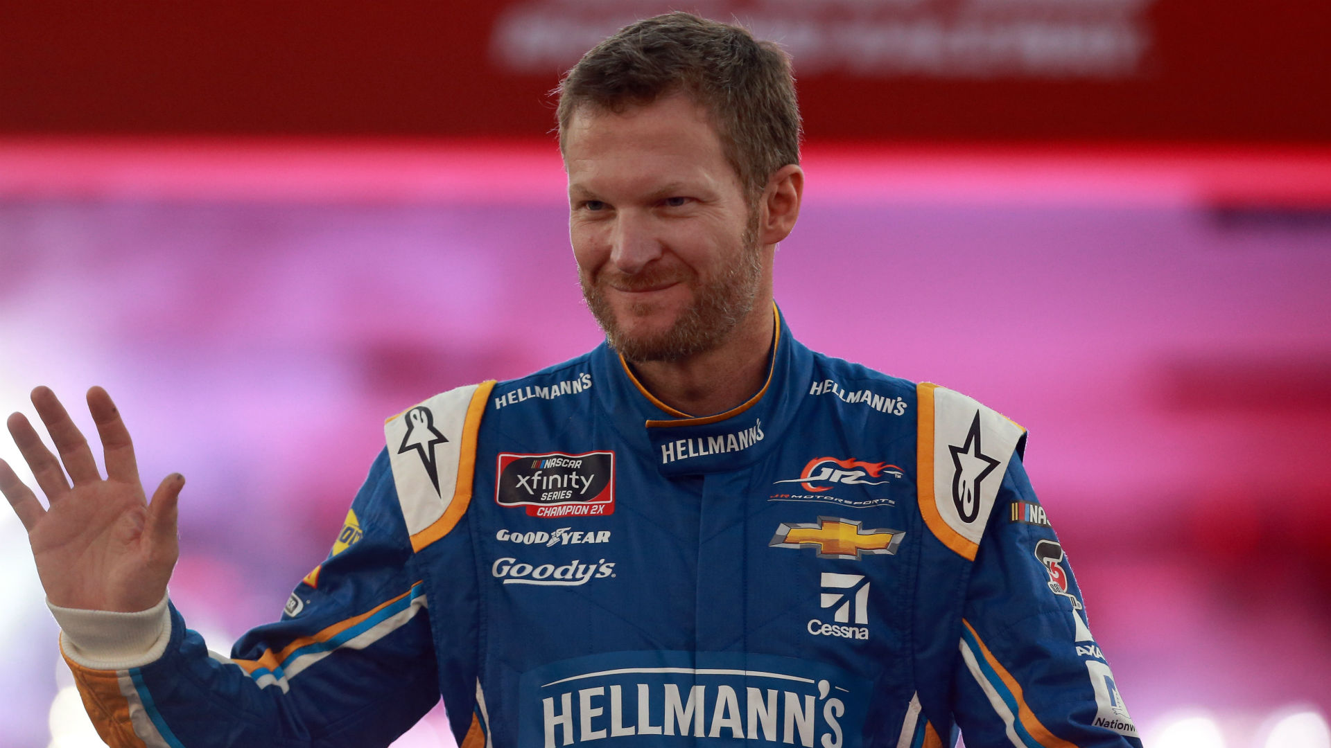Dale Earnhardt Jr. to pay tribute to father in special way at Darlington Raceway