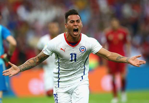 Chile star Vargas to stay at Napoli, claims agent