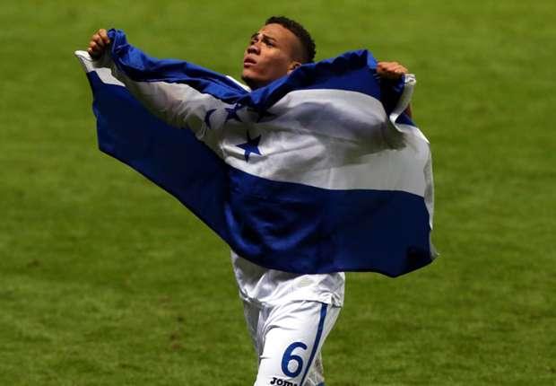 Honduras midfielder Arnold Peralta
