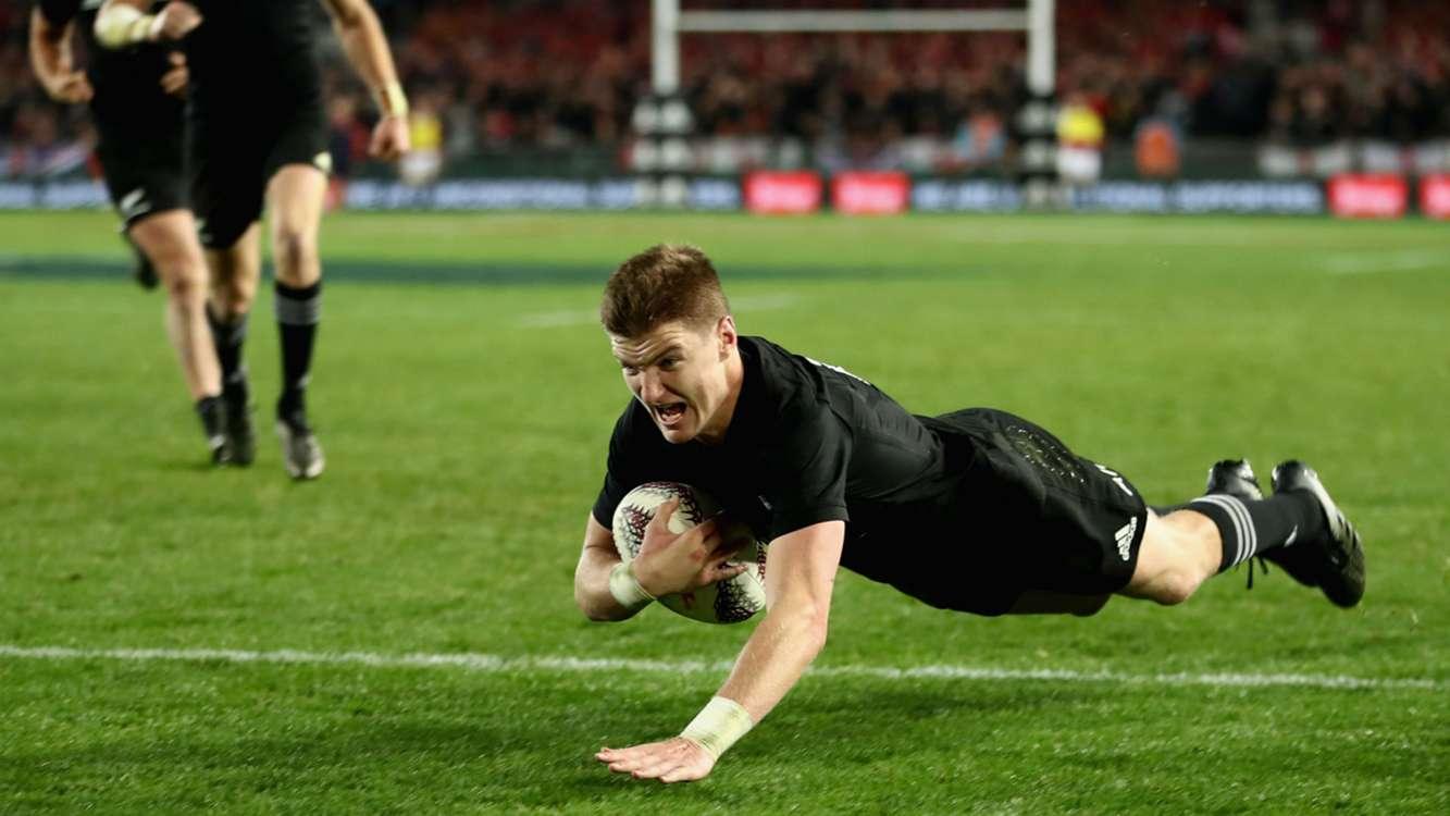 Barrett's season curtailed by shoulder injury